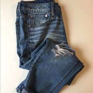 American Eagle Outfitters Distressed Jeans Size 6